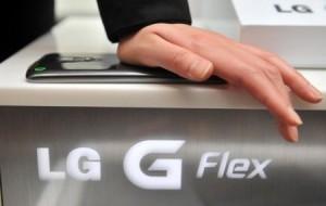 LG G Flex é riscado e se regenera: entenda