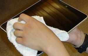 Como limpar a tela do tablet
