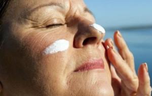 Como escolher um protetor solar facial
