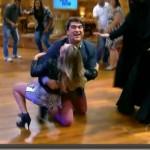 667943 Fernanda Souza e Zeca Camargo levam tombo no Vídeo Show 05 150x150 Fernanda Souza e Zeca Camargo levam tombo acidental no Vídeo Show