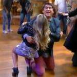 667943 Fernanda Souza e Zeca Camargo levam tombo no Vídeo Show 06 150x150 Fernanda Souza e Zeca Camargo levam tombo acidental no Vídeo Show