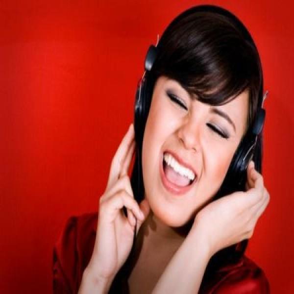 668298 as musicas mais tocadas nas radios brasileiras em 2013 600x600 As músicas mais tocadas nas rádios brasileiras em 2013