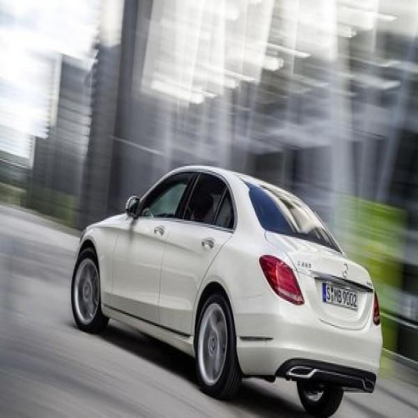 668458 novo mercedes benz classe c informacoes fotos precos 2 600x600 Novo Mercedes Benz Classe C: informações, fotos, preços