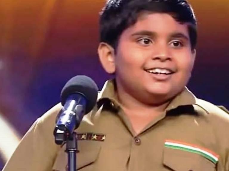 672128 Menino de 8 anos mostra que excesso de peso não é desculpa para deixar de dançar Menino de 8 anos mostra que excesso de peso não é desculpa para deixar de dançar