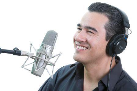 Conheça os donos das vozes mais conhecidas do Brasil