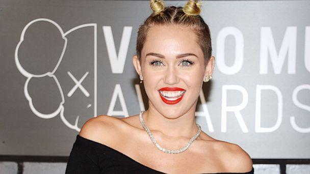 Miley Cyrus pode ser presa por causa da bandeira mexicana