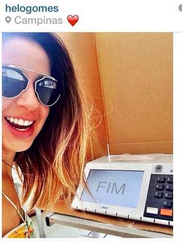 Selfies de eleitores com a urna eletrônica