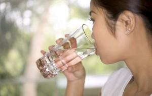 Dieta da água ajuda musa fitness a garantir forma