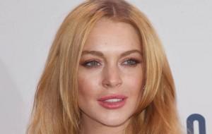 Lindsay Lohan faz viagem solitária