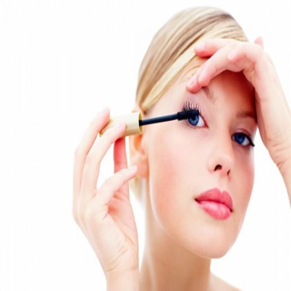714212 Curso de maquiagem profissional 2015 1 600x600 Curso de maquiagem profissional 2015