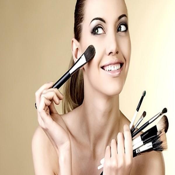 714212 Curso de maquiagem profissional 2015 3 600x600 Curso de maquiagem profissional 2015
