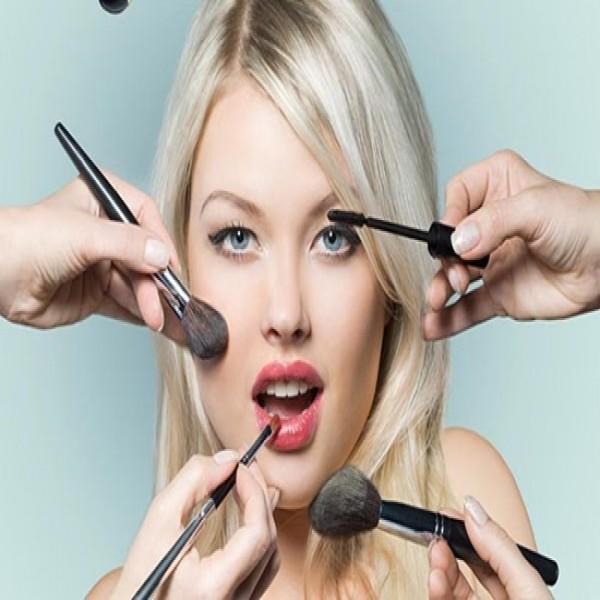 714212 Curso de maquiagem profissional 2015 4 600x600 Curso de maquiagem profissional 2015