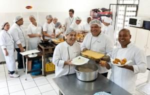 Senac AM abre curso gratuito auxiliar de cozinha e garçom