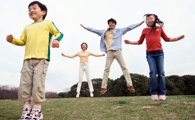720512 Atividades físicas em família 2 Atividades físicas em família