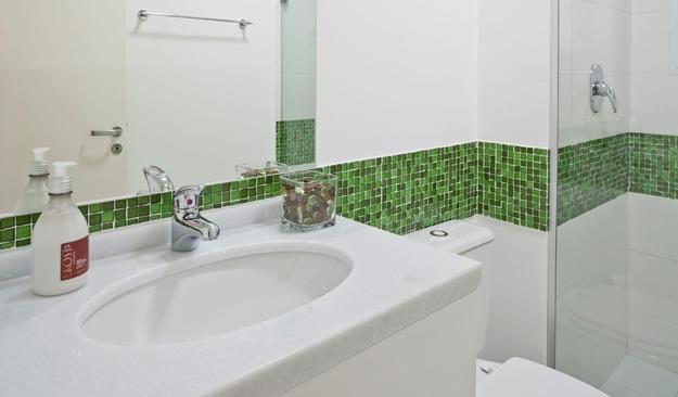 15 Banheiros decorados com pastilhas -> Banheiros Decorados Com Pastilhas Adesivas