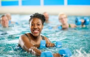 Benefícios dos exercícios na água