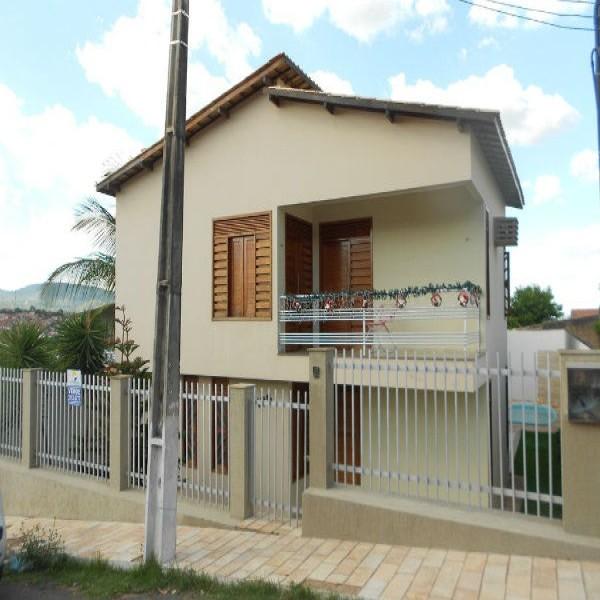 73128 casa em curitiba para alugar 600x600 Casas Para Alugar em Curitiba Direto Com o Proprietário