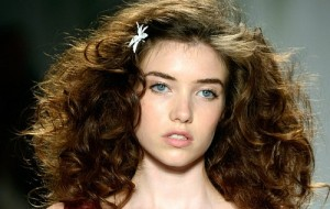 Entenda quando o cabelo liso não é a melhor opção