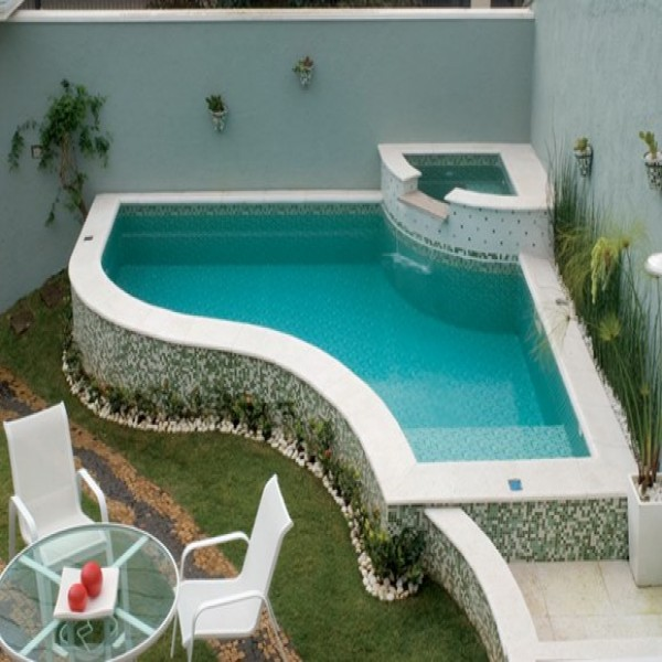 10 modelos de piscinas para casas pequenas for Modelos de piscinas temperadas