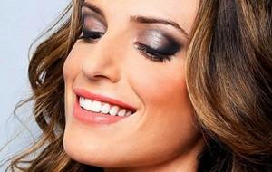 Maquiadora de Sucesso: Ganhe mais de 5 mil por mês
