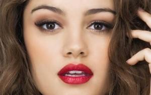 7 truques de maquiagem rápida para mulheres apressadas