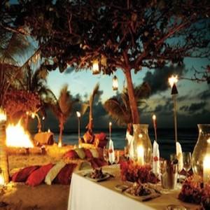 84118 luau decorado 4 300x300 Decoração De Luau Na Praia – Dicas