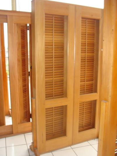 92113 porta balc%C3%A3o de madeira 3 Porta Balcão de Madeira Preço, Onde Comprar