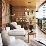98409 harmonia perfeita entre madeira e estofados brancos na varanda 150x150 Idéias para varanda de casas