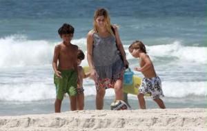 Fotos de Ana Paula Tabalipa com os Filhos
