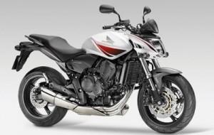 Moto: Hornet 2009