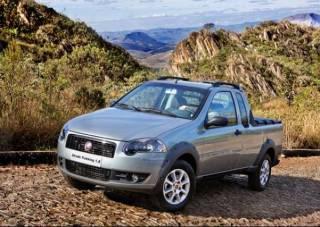 020545811 EX00 Novo Fiat Strada Trekking