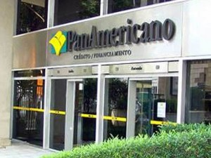 size 590 Panamericano fachada close 300x225 Banco Panamericano: Telefone, Endereço