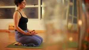 tn 600 580 ioga 3 220810 300x168 Ioga   Dica de Como Praticar em Casa