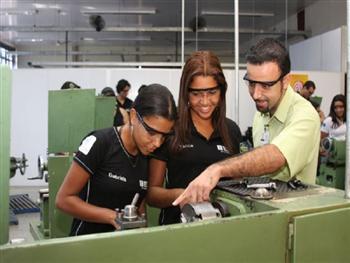 Curso Tecnico Gratuito de Costura Industrial SENAI Curso Técnico Gratuito de Costura Industrial SENAI