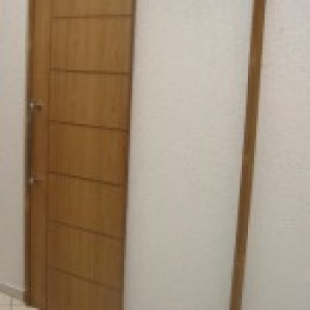 #6F4C28 porta de correr de madeira preços 199x300 Porta de Correr de Madeira  1152 Portas E Janelas De Madeira Em Bh Preços