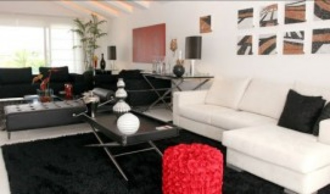 Sala de TV decorada com Sofá Único e Chaise