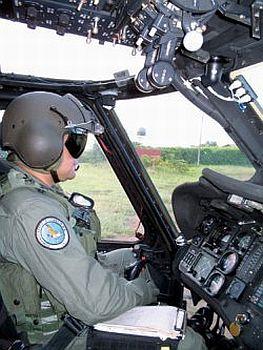 Curso de Pilotagem de Helicoptero Curso de Pilotagem de Helicóptero