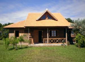 Casas rusticas de madeira roliça