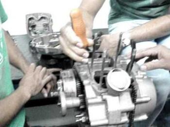 Curso de Mecanica de Motos Curso de Mecânica de Motos