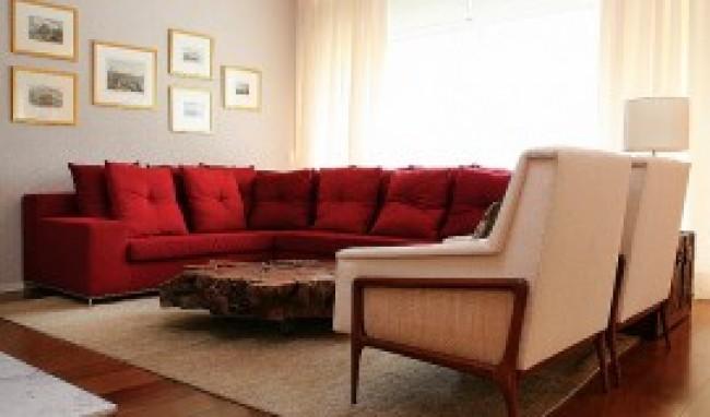 Decoracao De Sala Pequena Vermelha ~ Decoração de Sala com Sofá Vermelho 300×207 Decoração de Sala com