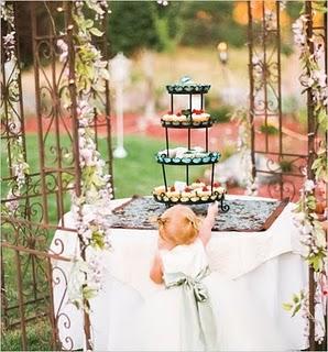 cupcake stand1 Decoração de Casamento Durante o Dia, Fotos