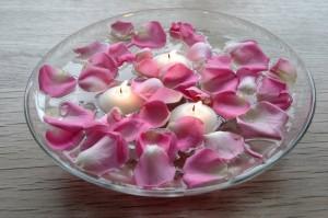 5791floating candles 300x199 Decoração de quarto especial para o Dia dos Namorados