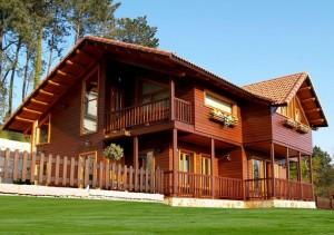 casa de madeira 1 300x211 Como Decorar Casas de Madeira Dicas