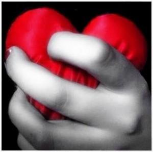 coracao apertado 300x298 Como Esquecer um Amor não Correspondido