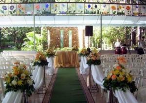 decoração igreja casamentos1 300x211 Decoração de Casamento de Dia, Sugestões, Fotos