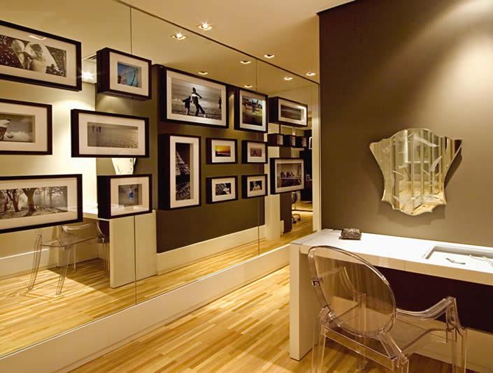 decoracao parede espelhada quadros 300x227 Como Decorar Paredes Com