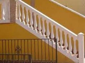 escadas2 300x223 Balaústre de Concreto: Preços, Onde Comprar