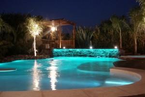 iluminação subaquatica para piscinas 2 300x200 Luau na Piscina Como Fazer