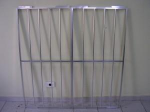 janela de aluminio com grade 3 300x225 Janelas com Grades, Preços, Onde Comprar
