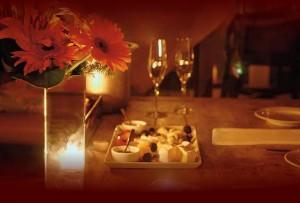 jantar a luz de velas 300x203 Surpresas especiais para o Dia dos Namorados
